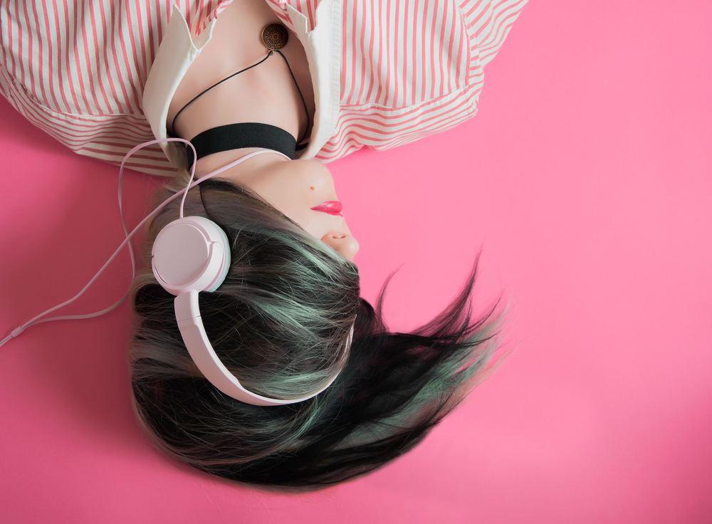 Så fort det blir tyst fläska på med musik